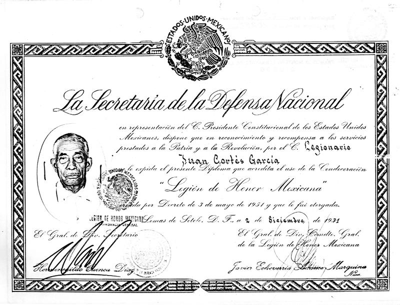"""Diploma que acredita el uso de la Condecoración """"Legión de Honor Mexicana"""".pdf"""